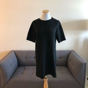 Zara loose fit black dress Size Small